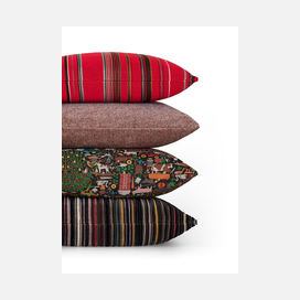 Maharam pillows stack 03